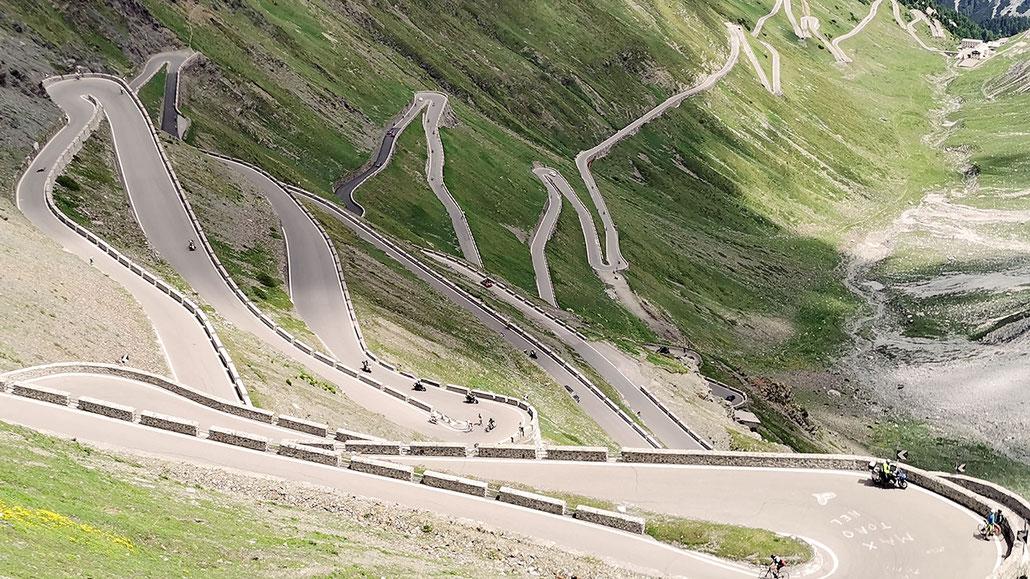 Stilfser Joch (Passo dello Stelvio) © Pässe.Info