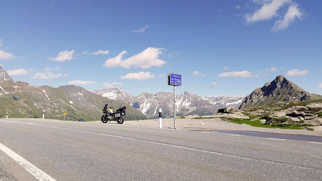 2330 - CH - Bernina-Pass (Passo del Bernina) © Pässe.Info
