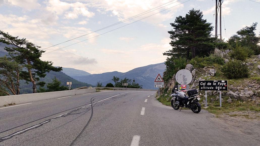 0984 - F - Col de la Faye - Route Napoleon (frz. Route Napoléon) © Pässe.Info