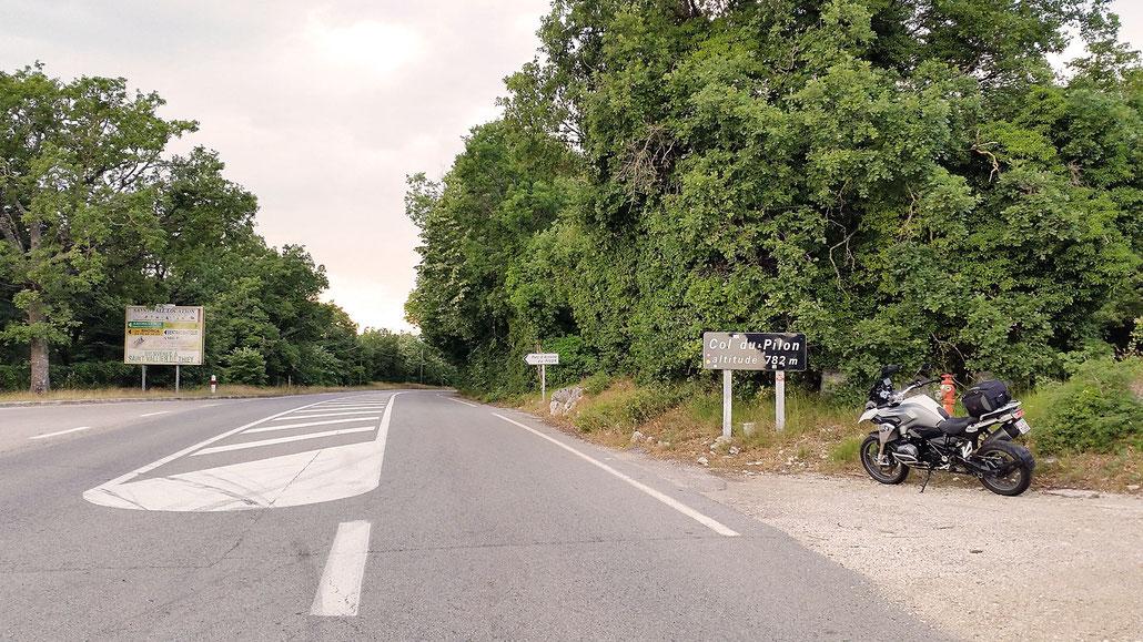 0782 - F - Col du Pilon - Route Napoleon (frz. Route Napoléon) © Pässe.Info