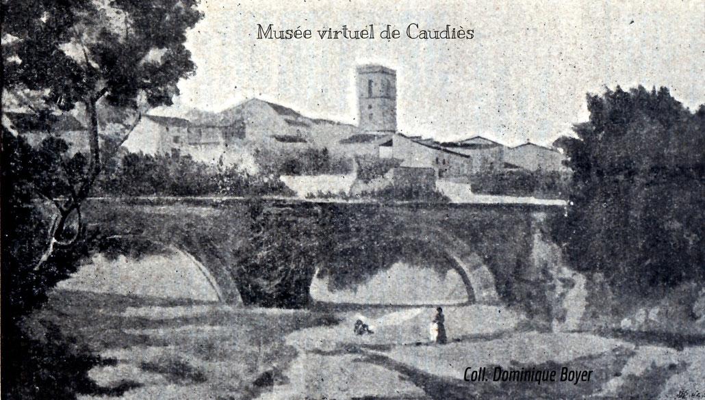 Sur une vue générale de Caudiès dans la Notice sur notre-Dame de La Val, vendue au profit de la chapelle en 1904, sans signature.