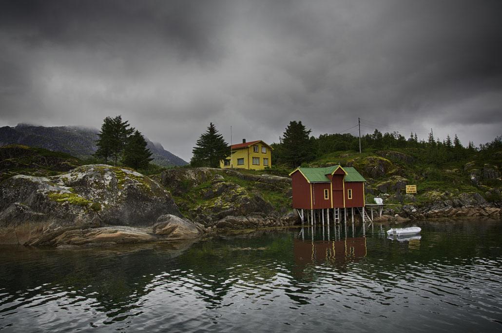 Foto aus den Trollfjorden in den Lofoten Norwegen