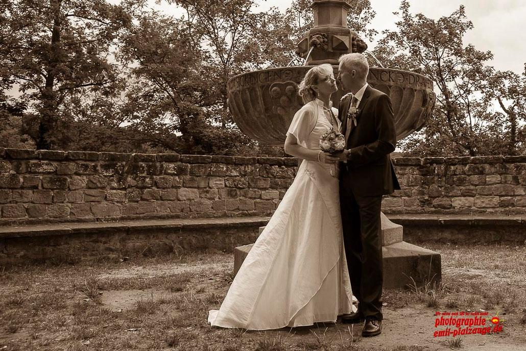Tatjana & Peter - Anno August 2015 - Noch mehr Hochzeitsbilder >> Klick auf das Bild und sehe mehr....