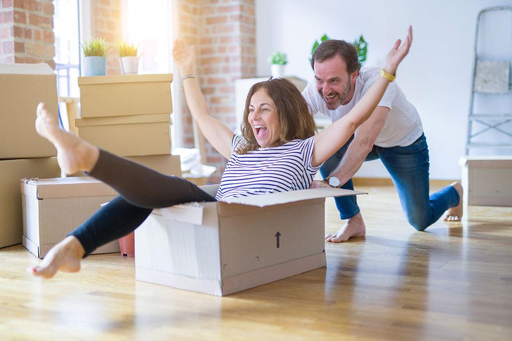 Paar zieht in neues Haus ein, contura GmbH Mannheim-Seckenheim