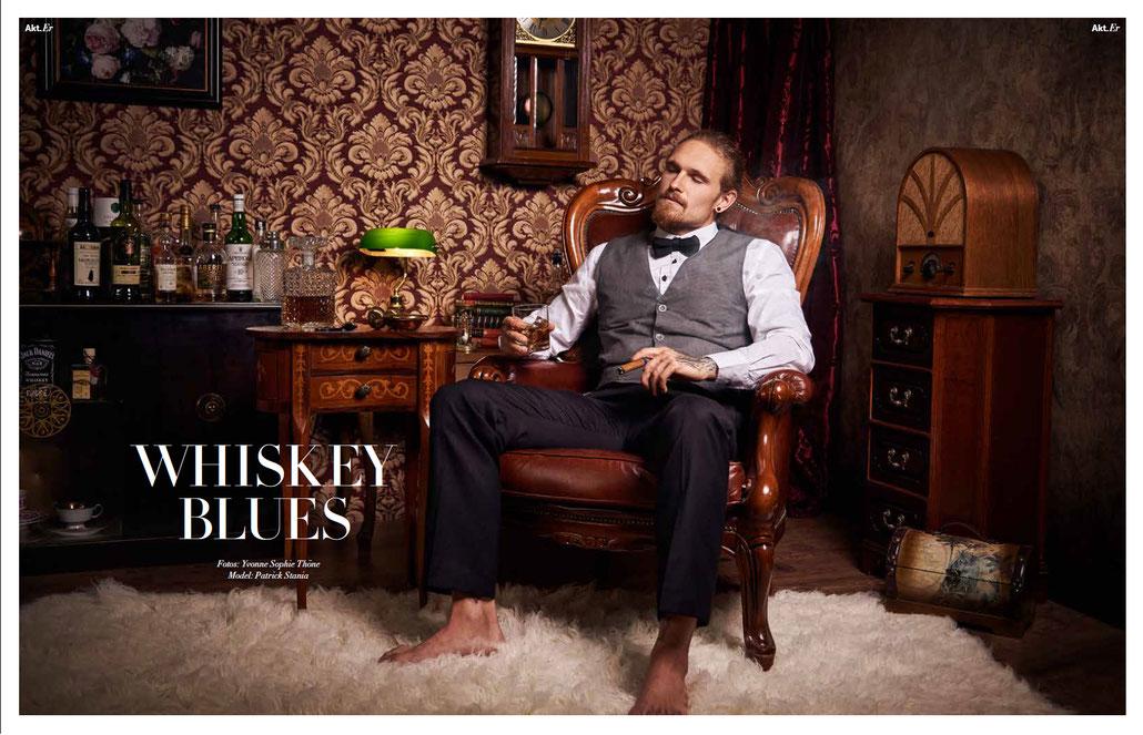 Whisky Blues: Stilvolle Männeraktstrecke für die Zeitschrift Séparée von Aktfotografin Yvonne Sophie Thöne