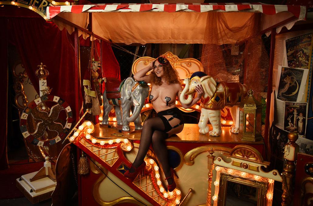 Werbefotografie für Walters wunderbarer Zauberzirkus in Braunschweig -Zirkus im Burlesque Stil