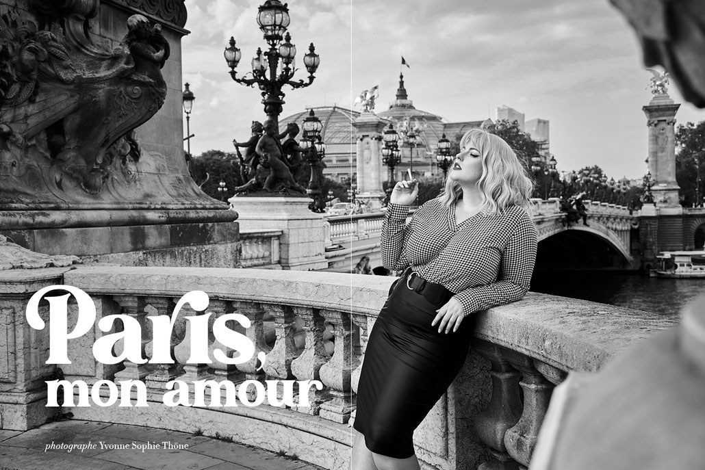 Paris, mon amour - curvy fashion editorial retro style - Pont Alexandre III - vintage fotografin