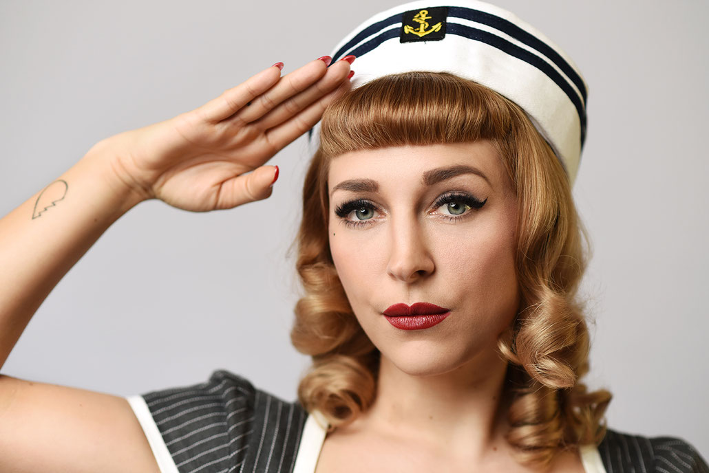 Ahoi Sailor! Maritimes Pin-Up Commercial in Kassel