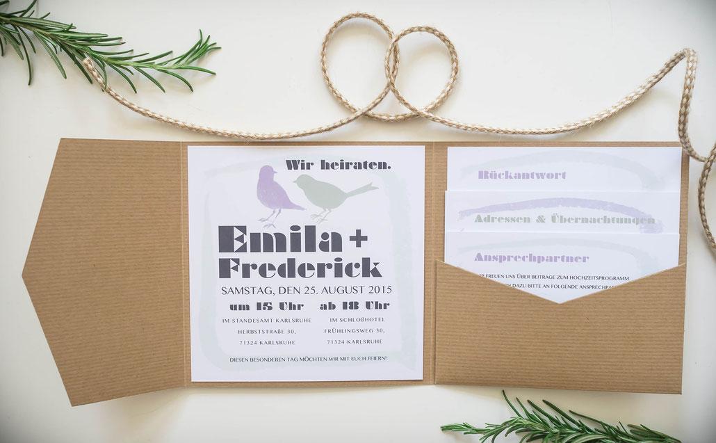 Juhu Papeterie, Karlsruhe, Hochzeitseinladung, Vögel, birds, lila, moos, grün, Kraftpapier, Pocketfold-Einladung, Pocketfold, Hochzeitsset, Vintage, Einleger quadratisch
