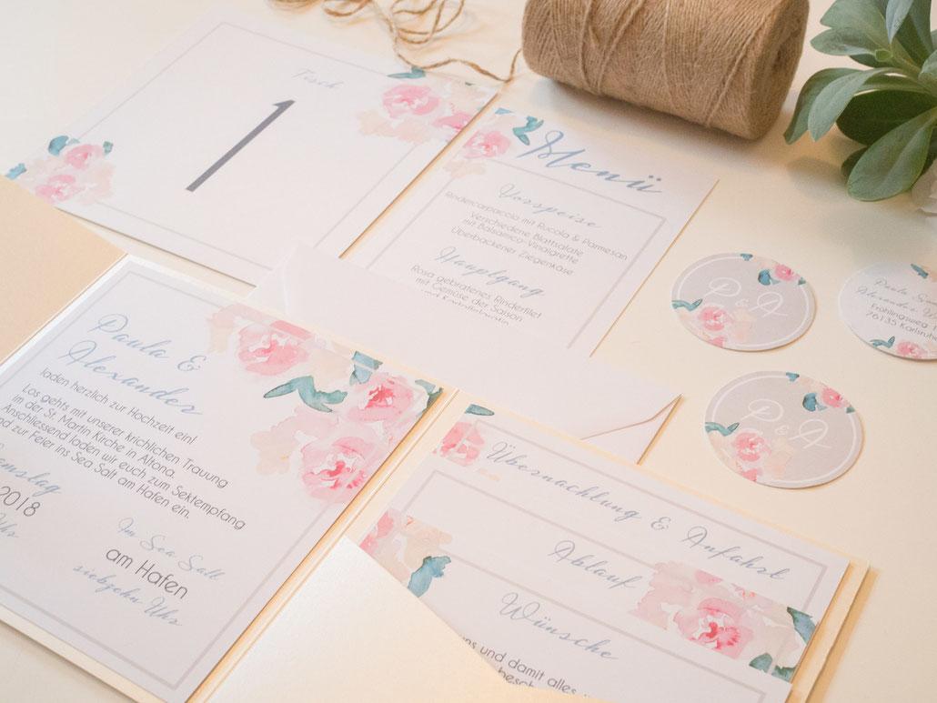 Juhu Papeterie, kreativ, Hochzeitseinladung, watercolor, design, modern, vintage, wassserfarben, blumen, creme, rosa, graublau, pocktfold, Karlsruhe, elegant, Hochzeit