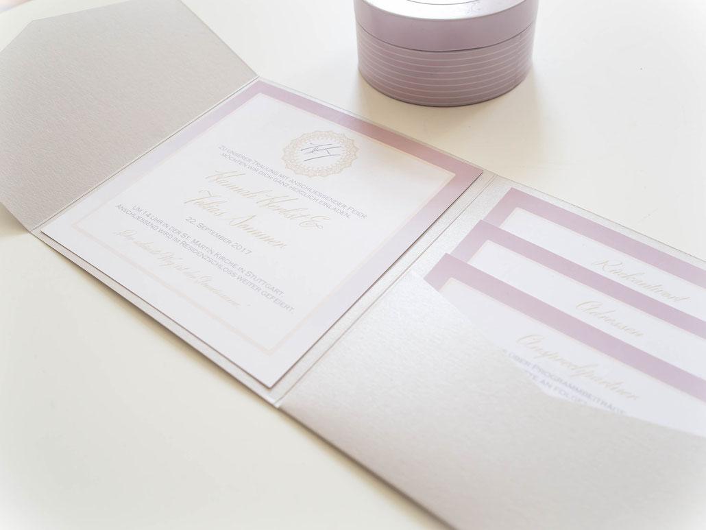 Juhu Papeterie, Karlsruhe, Einladungskarte, Hochzeit, Hochzeitsset, Pocketfoldeinladung, Pocketfold, altrosa, gold, quadratisch, rund, elegant, klassisch, schick, modern, individuell, individualisierter, personalisierter, set,