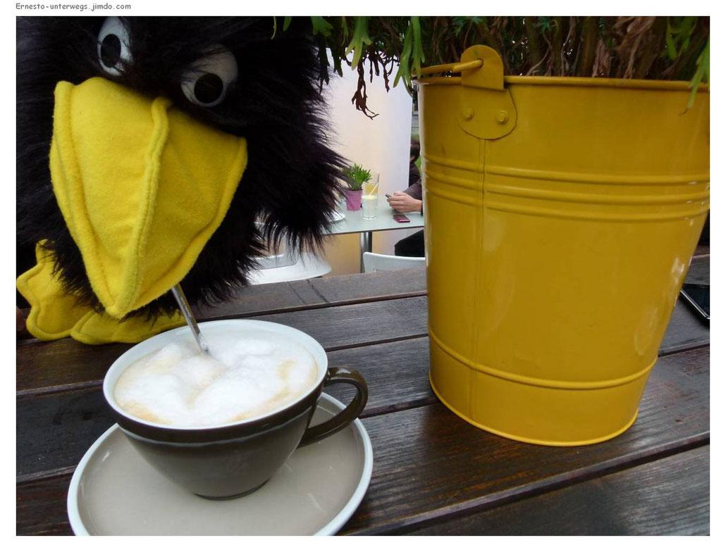 Wien, Milchkaffee, Cappuccino, Vienna, Austria, Österreich, Ernesto, Reiserabe, unterwegs, reisen, Reise, Kaffee