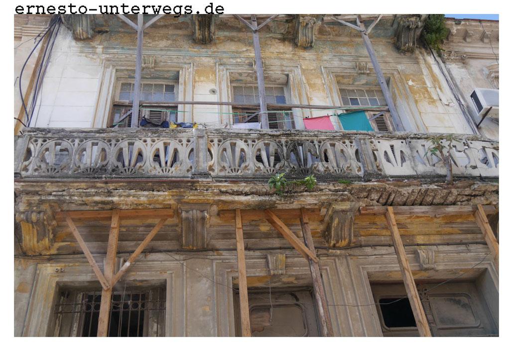 Yaneys Haus dürfte vor dem Zusammenbruch in einem ähnlichen Zustand gewesen sein.