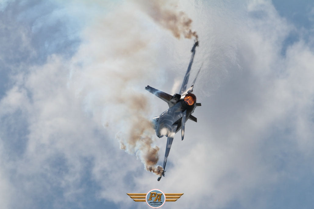 F-16 Solo Display Belge