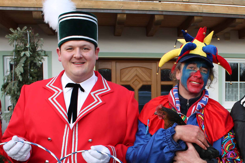 Hafe the Reifenschwinger and HEX with his red dancing chick