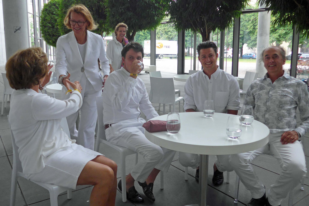 Art collector Sabine Bernet, Dorothée Wahl, Caspar Bernet, Sol Bailey-Barker and the sculptor HEX join at a PIN-Party in Munich.