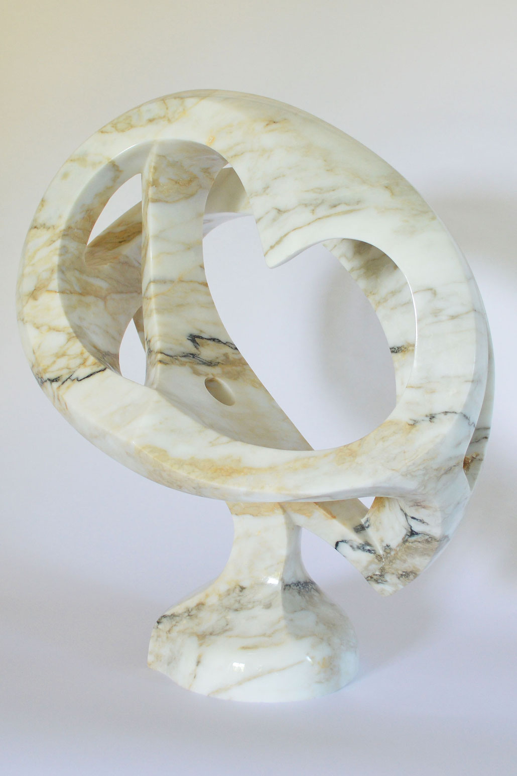 AUSTRALIA in Clacatta marble