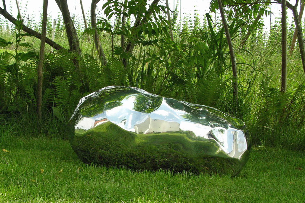 "This smooth mirror finished stainless sculpture reminds me a bit of the ""CLOUD GATE"" by Anish Kapoor. Nicole Farhi lives in London and shows sometimes at Abby Hignell Gallery."
