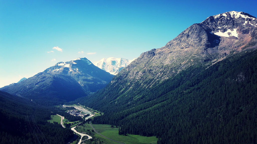 Die Aussicht vom Klettersteig La Resgia in Pontresina