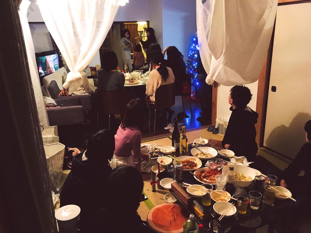 こちらは2017年12月に実施したクリスマスパーティーの様子です!