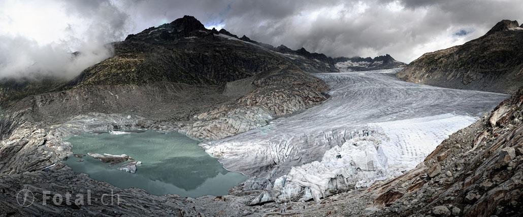 Panorama Belvédère am Rhonegletscher - den Gletscher mit Tüchern vor der Klimaerwärmung schützen?