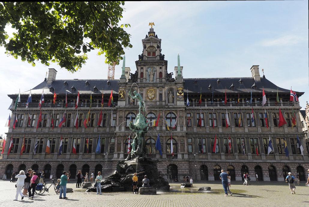 Antwerpen - Antwerp - Anvers - Stadhuis - Rathaus - Brabomonument