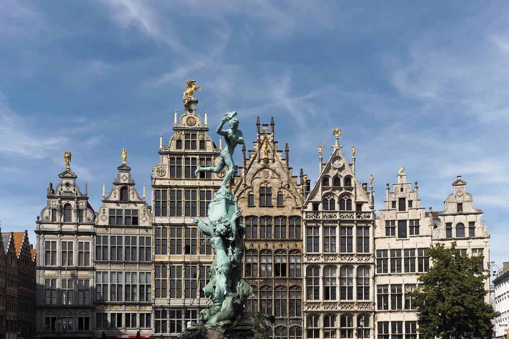 Antwerpen - Antwerp - Anvers - Grote Markt - Brabomonument