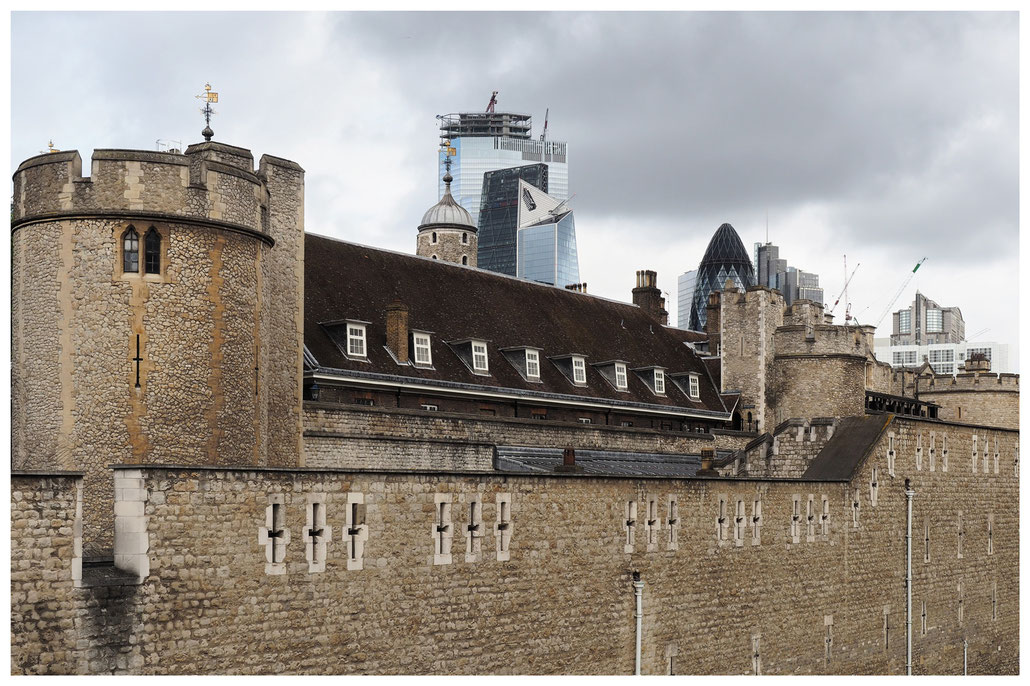 London - Tower of London und das Finanzzentrum