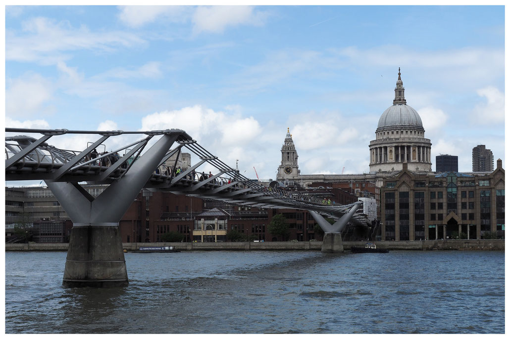London - Millennium Bridge