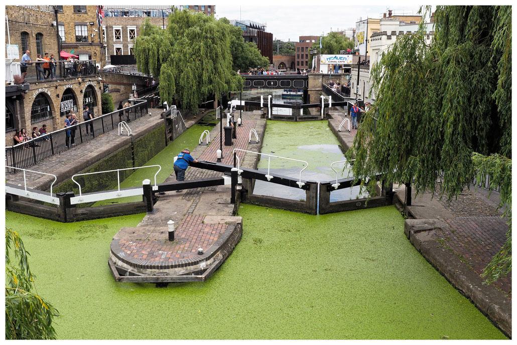 Die zwei Schleusenbecken von Camden in London