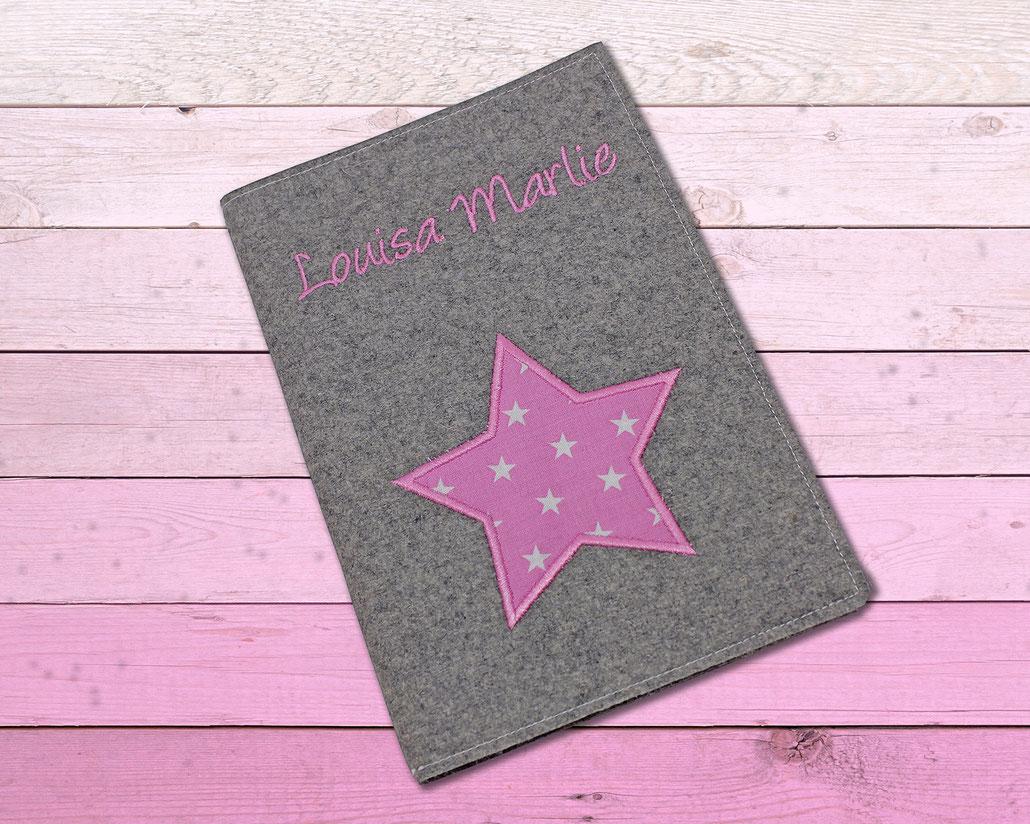 Hülle für das U-Heft aus Wollfilz mit Stern und Name