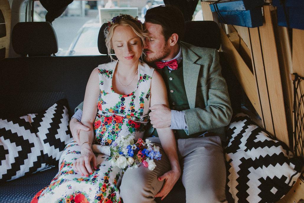 Hochzeit mit VW Bus von Alina Atzler