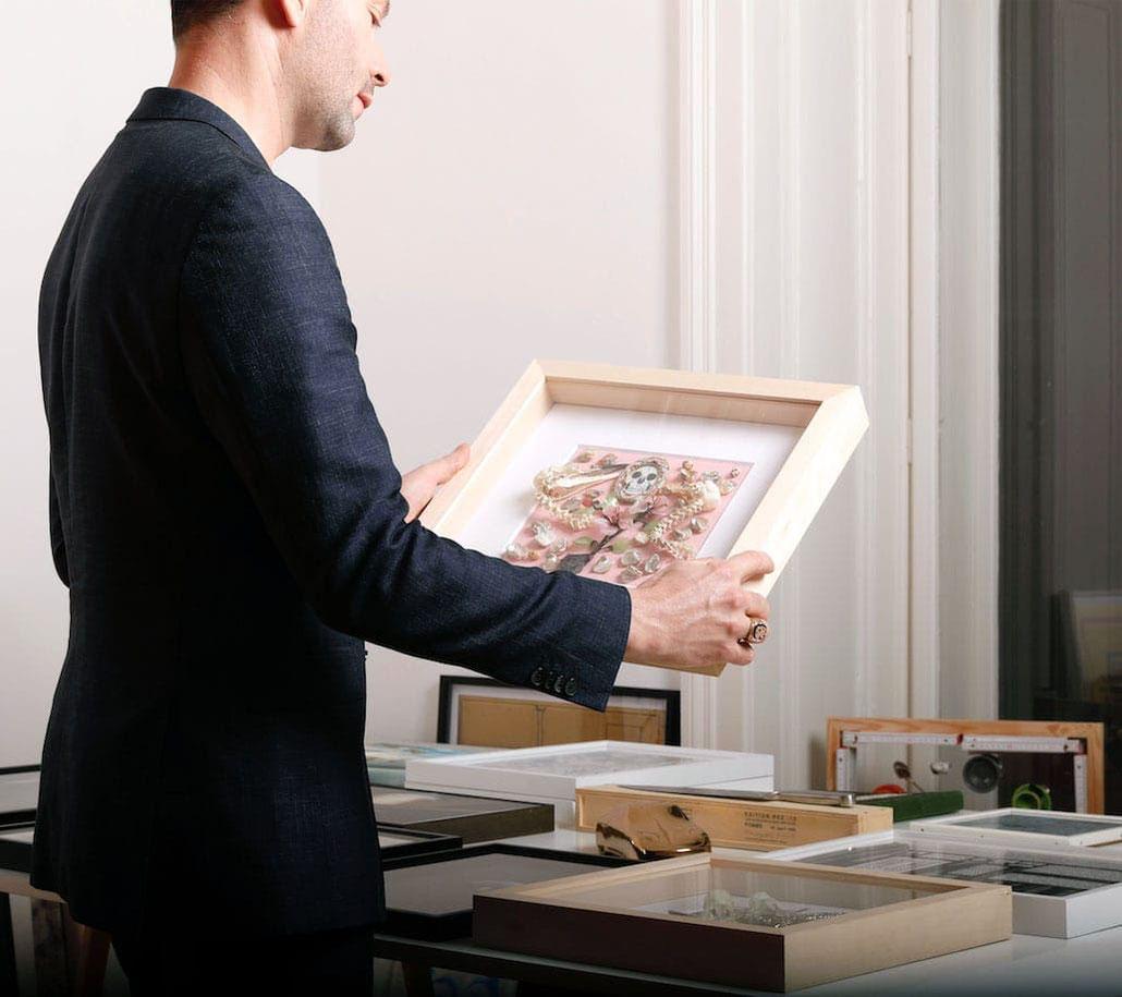 Daniel Spoerri Kunst kaufen Sie ein Kunstwerk Original art by Daniel Spoerri