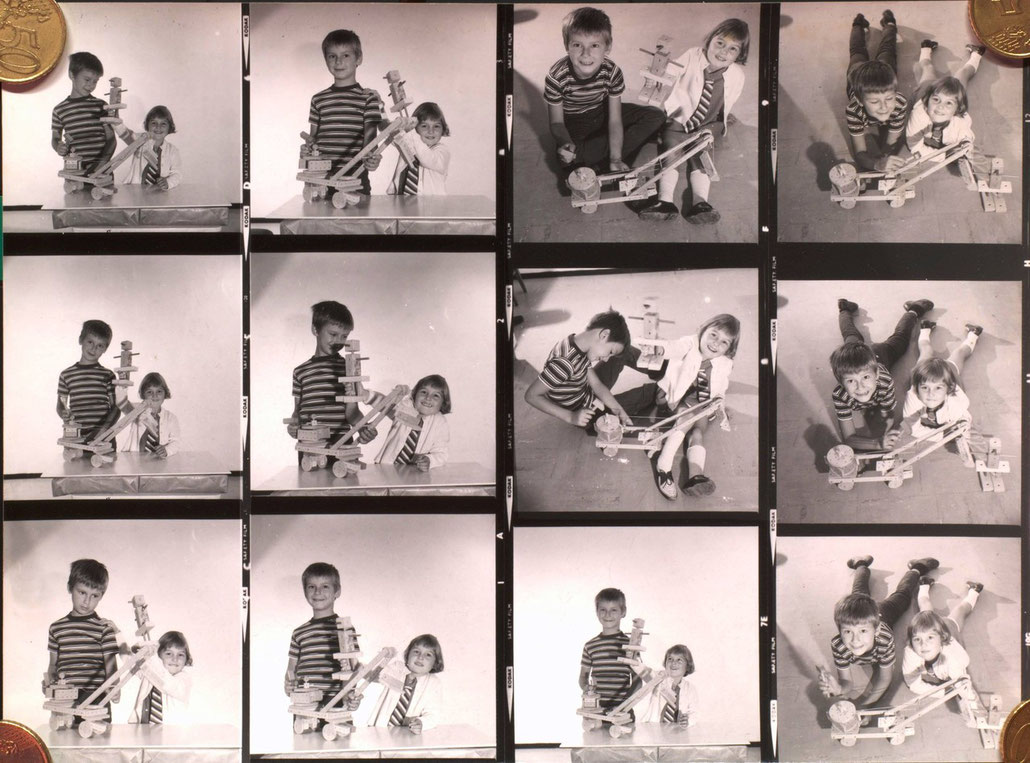 Kinder spielen mit Matador Bausätzen. Wien 1969.