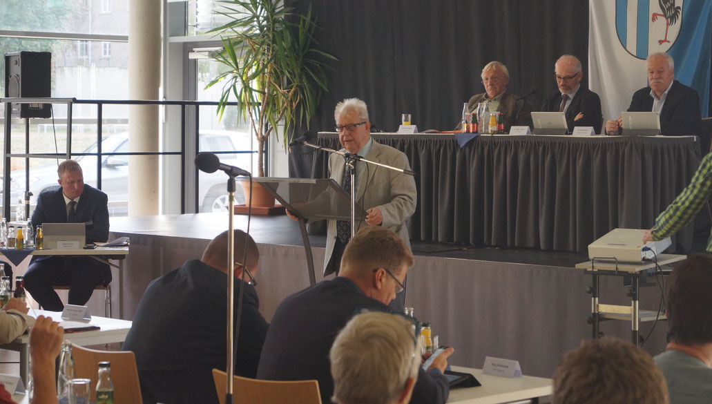Im Kreistag Jerichower Land kritisiert Horst Leiste (SPD) das neue Abfall-Identsystem. Foto: Alpha-Report