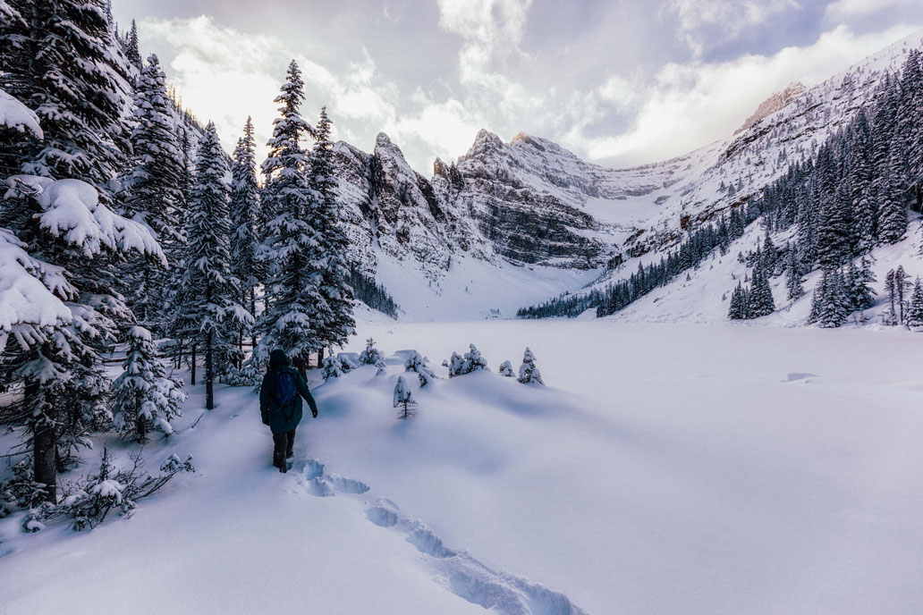 Winter hiking to lake Agnes near Lake Louise @InAFaraway_Land