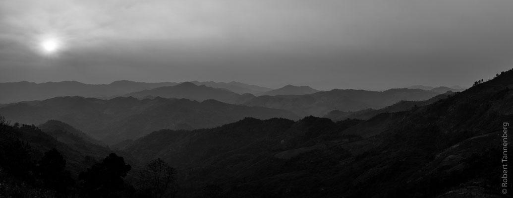 Sonnenuntergang Laos Berge Dschungel