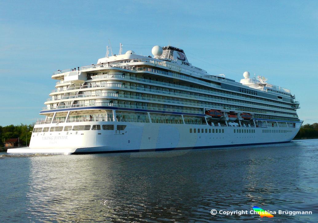 Passagierschiff VIKING JUPITER im Nord-Ostsee-Kanal