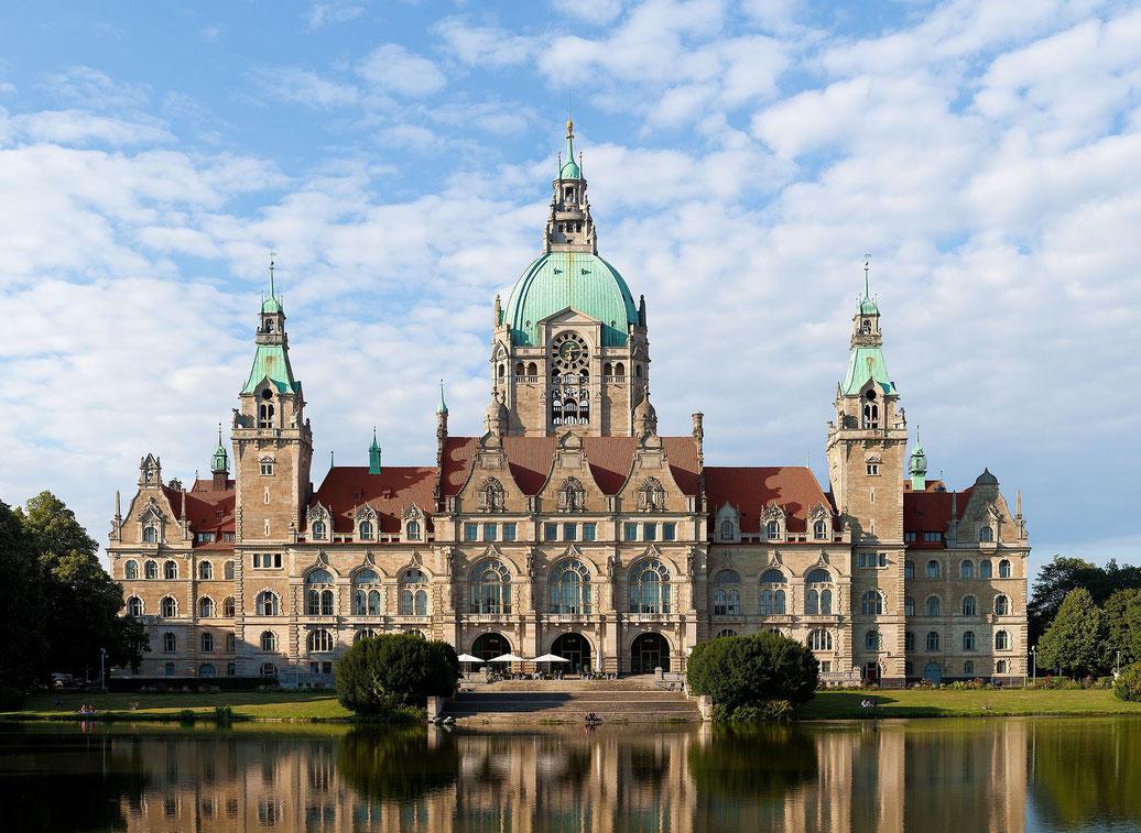 "Neues Rathaus - Hannovers Wahrzeichen - © Thomas Wolf, www.foto-tw.de. Lizenz: ""CC BY-SA 3.0 DE"""