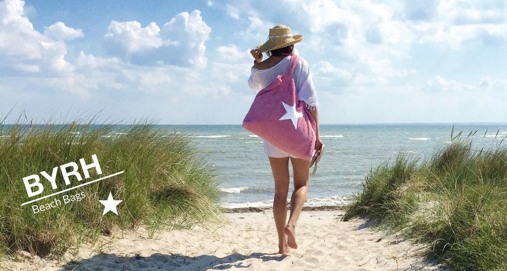 Strandtasche mit Stern in Rosé am Strand - Sylt, Ibiza, St. Tropez, Hamptons