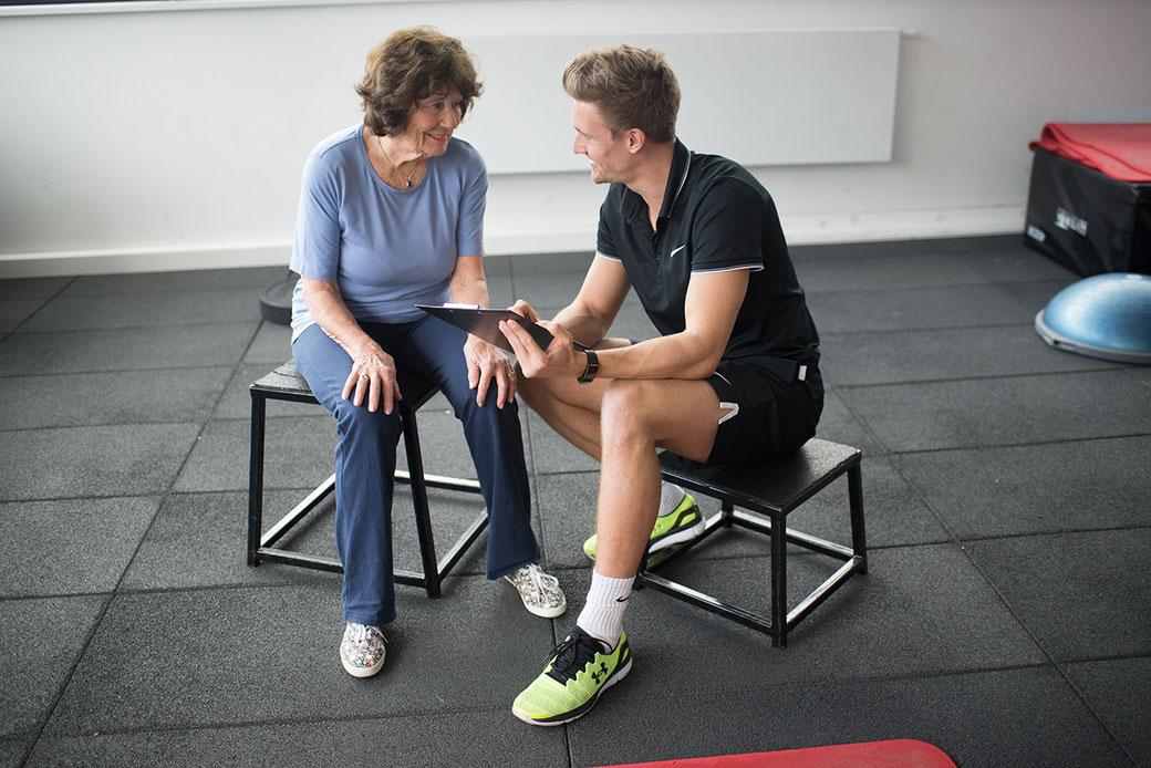 Krafttraining für Senioren mit Personal Trainer Clemens Delpin