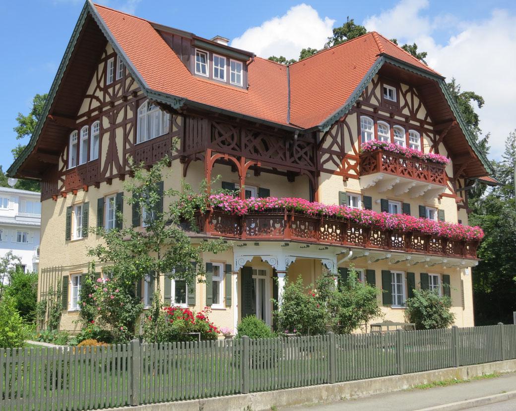 Renovierte denkmalgeschützte Villa Knittl in Tutzing © Knittl, 2015