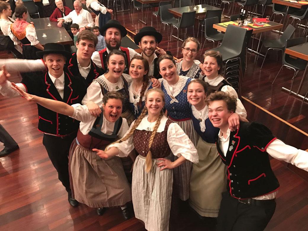 Jugendchor jutz.ch Auftritt Jodlerklub Alphüttli Genf