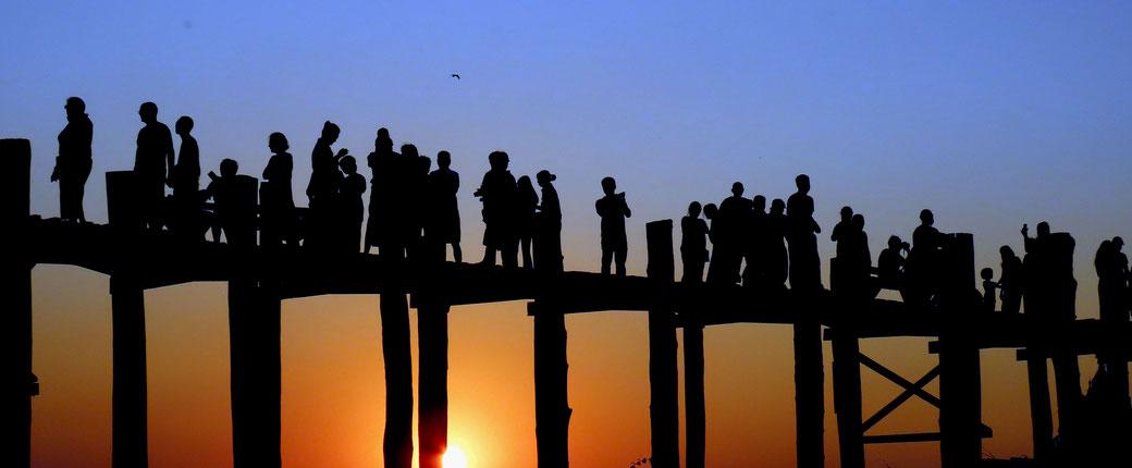U Bein Brücke zum Sonnenuntergang