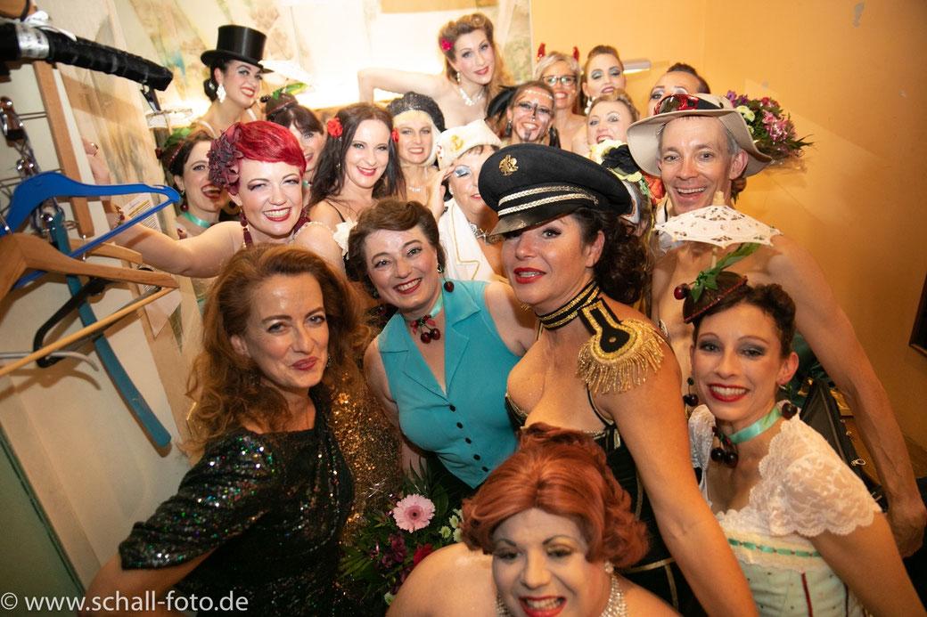 Rising Starlets Burlesque Show, München, Theater Drehleier, Burlesque-Workshop, Burlesque lernen Bayern München Deutschland Nürnberg Augsburg Landshut Rosenheim Allgäu Freiburg Stuttgart Innsbruck Salzburg
