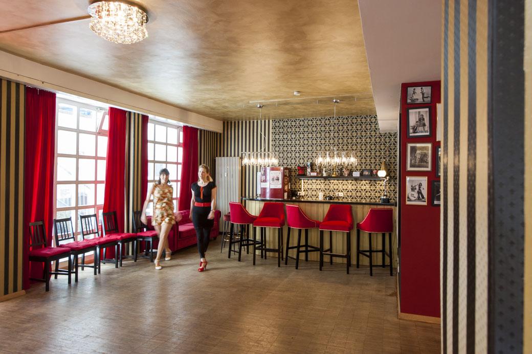 Vintage Dance Studio München, Mietstudio München, Saal mieten, Raumvermietung, Saalvermietung, Trainingsraum, Partyraum, stundenweise mieten, Mietstudios, rental rehearsal studio Munich,