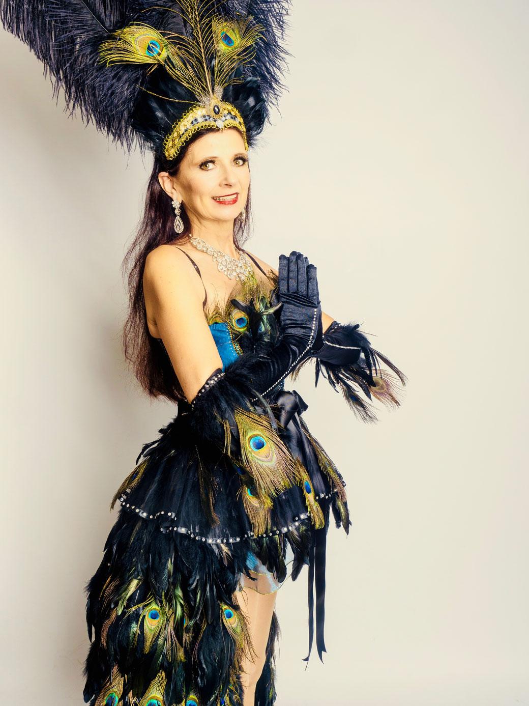 Burlesquelehrerin Vintage Dance Studio, Burlesque lernen, Striptease lernen München Bayern Deutschland, Burlesqueschule, Burlesquestudio, Burlesque Academy, Swingtanzschule