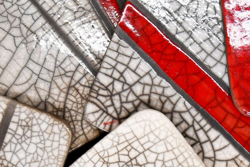 kleine quadratische, flache Schalen in Rakutechnik