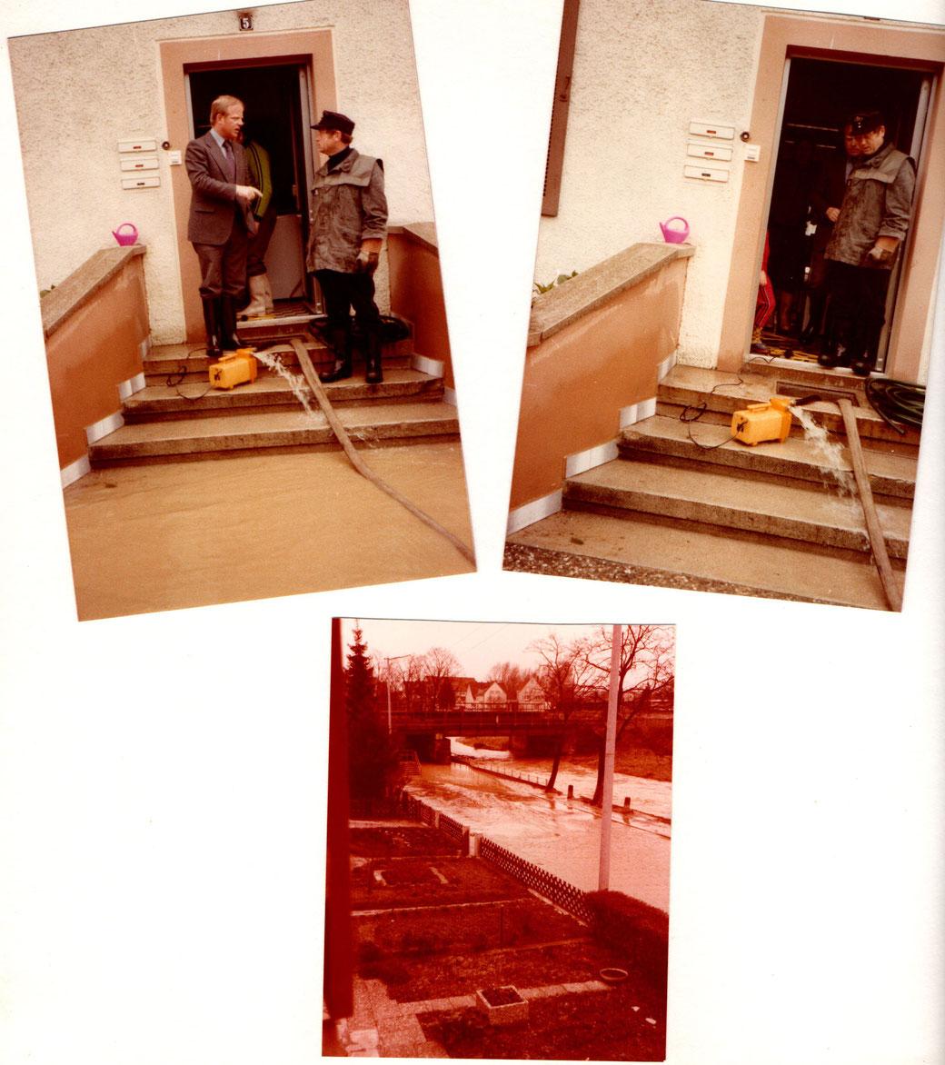links oben: OB Martin Herzog besucht Anwohner, die ihre vollgelaufenen Keller auspumpen müssen (Quelle: privates Fotoalbum, Familienbesitz), datiert 24.05.1978