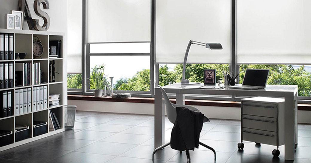 ¿Cortinas o persianas en oficina? Cual es Mejor
